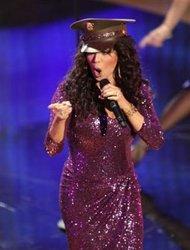 10/29/11 – Marie Osmond loses voice.