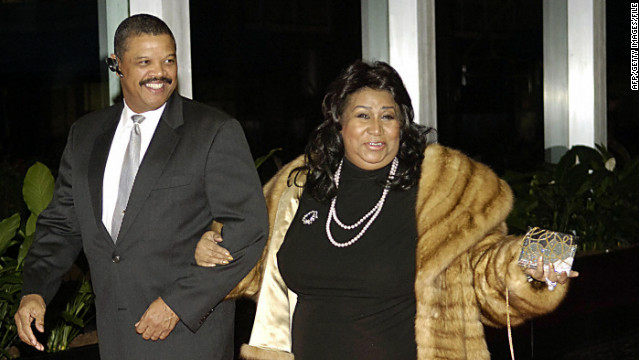 1/04/12 – Queen of Soul to marry!