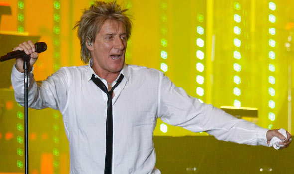 7/6/15-Rod Stewart to Take on Caesars Palace for 2nd Time in '15!